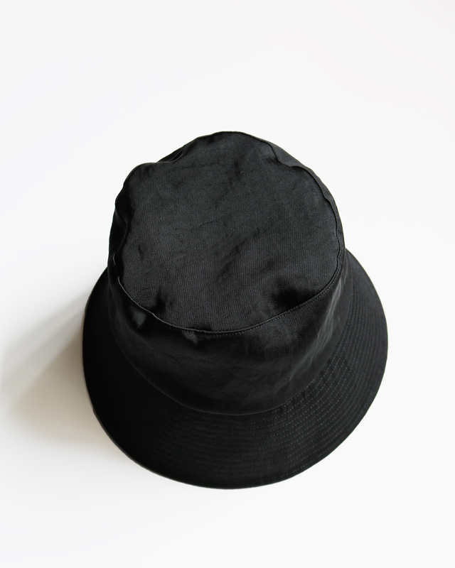 WATERPROOF NYLON BUCKET HAT – BLACK|COMESANDGOES
