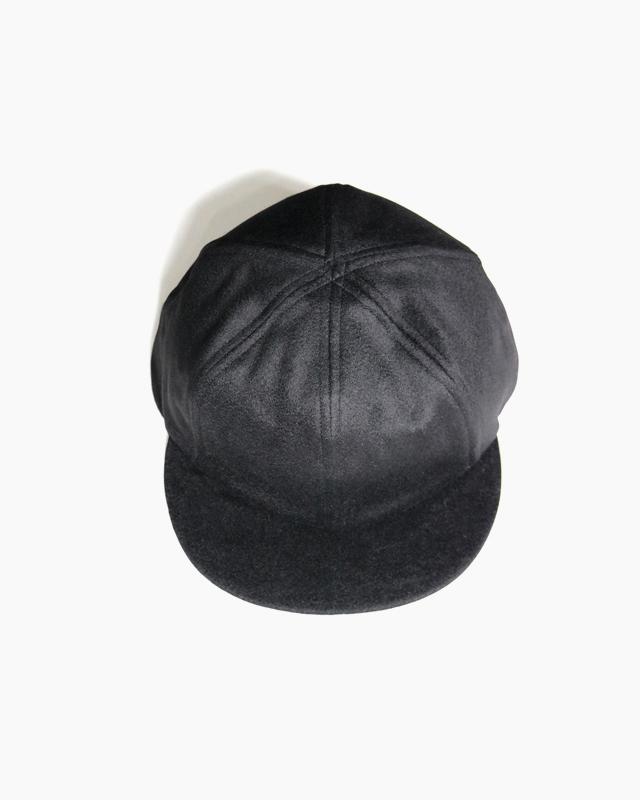 CASHMERE 100 LITTLE BRIM CAP – Black|COMESANDGOES