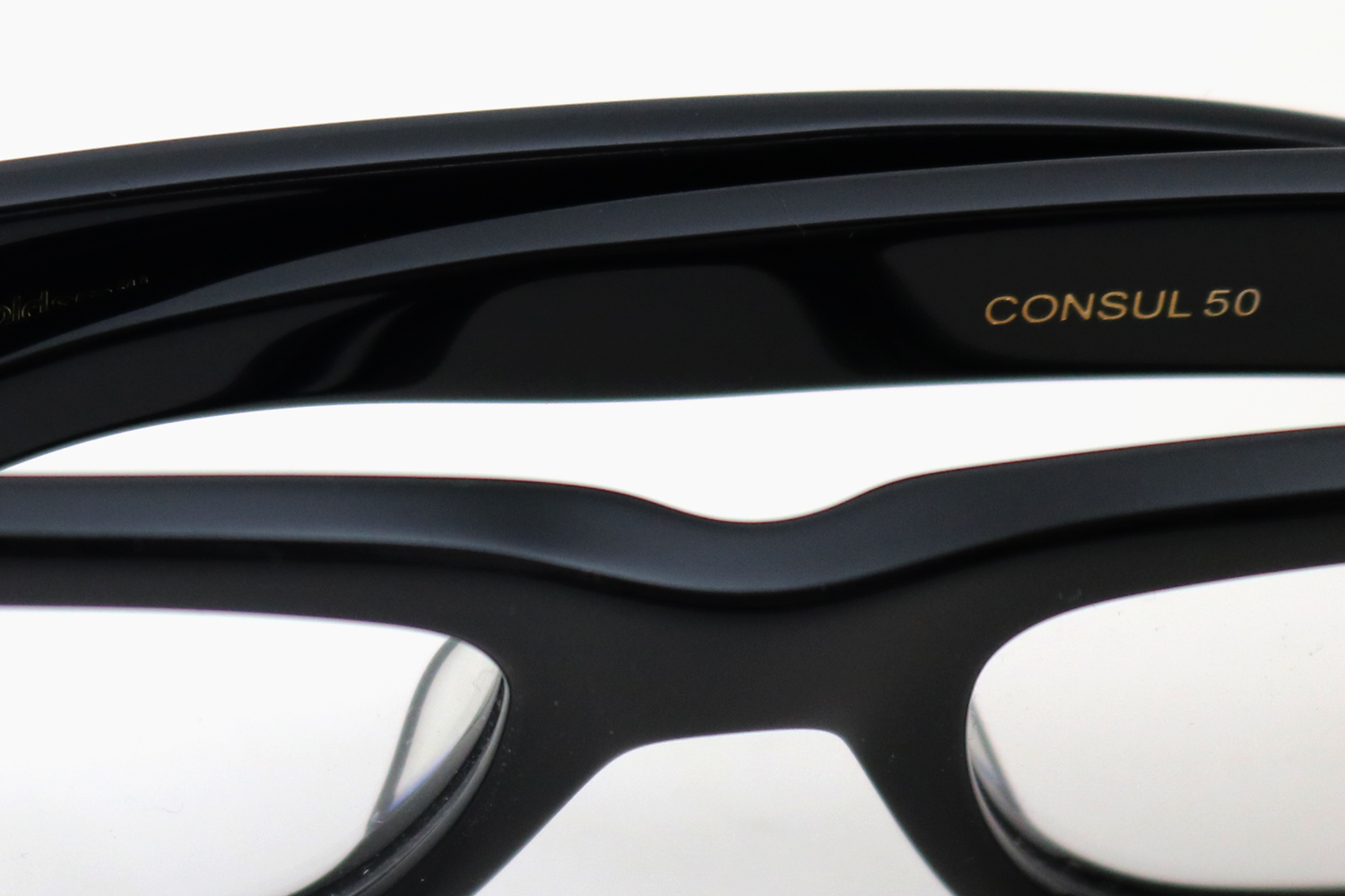 CONSUL 50 - Nero|OLIVER GOLDSMITH