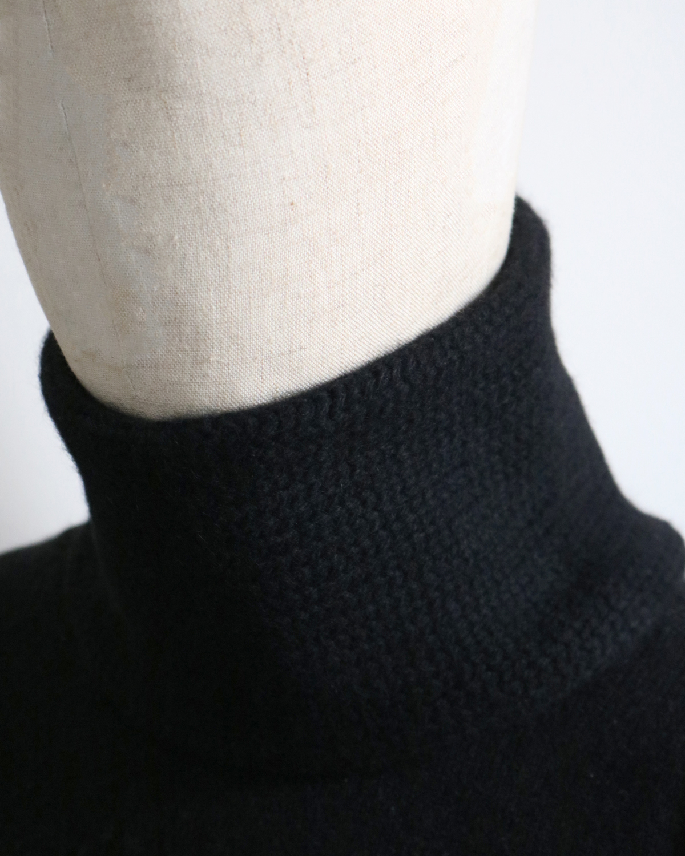 CASHMERE 100 NECK WARMER - Black|COMESANDGOES